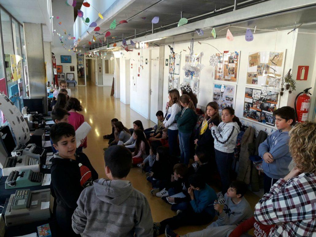 Escola_nova_exposició_tecnologia_5